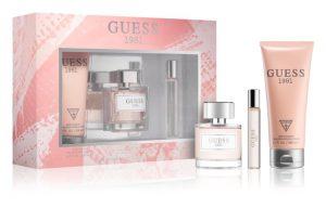 Venujte pod vianočný stromček napríklad niektorý z darčekových balíčkov s parfumom od Guess.