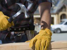 Hľadáte vhodné pracovné rukavice? Pozrite si ich typy a formy
