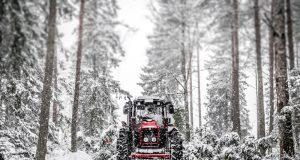Snehové reťaze nie sú na ozdobu apotrebujú ich aj traktory